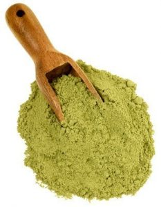 matcha-scoop-and-pile