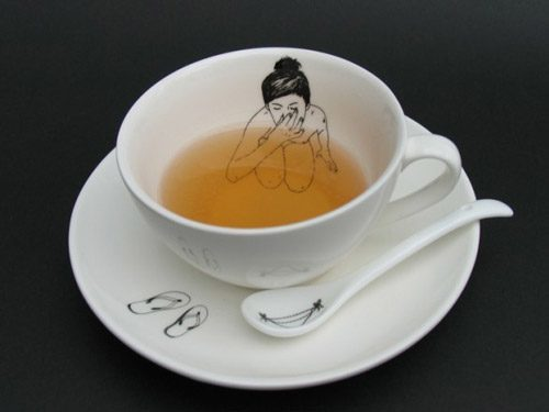 Bathing-Girl-Tea-Cup---Esther-Horchner