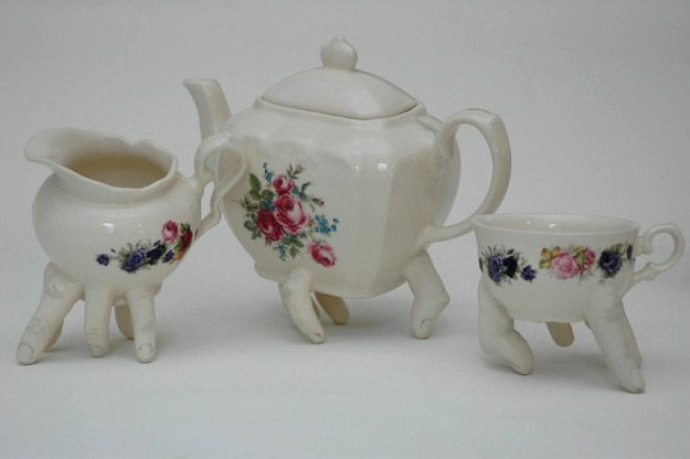 Walking-Tea-Set---Ronit-Baranga